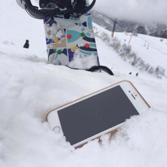 薄い防水ケースJEMGUN Feroを持って雪山へ行こう