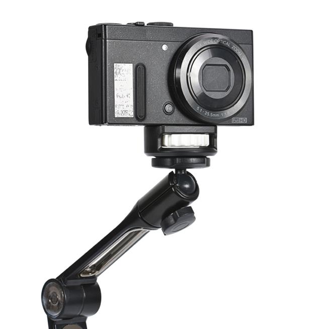 カメラやスマホを吸盤で固定してクネクネ動かせる『ファンタスティックアーム トランスフォーマー』