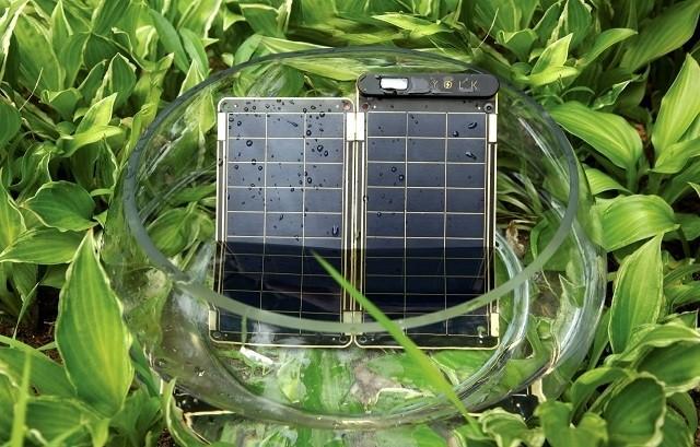 YOLK ソーラー充電器