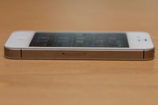 iPhone 8はiPhone 4のような構造になると噂がある