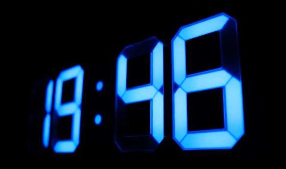 LEDデジタル時計 Tri Clock