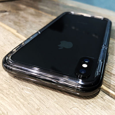 iPhoneXスペースグレイと絶妙にマッチ。老舗iPhoneケースメーカーSpigenのバンパーケース「Spigen ネオハイブリッド EX」