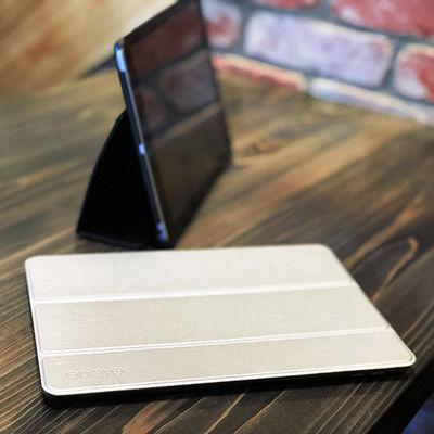 9.7インチiPadを外出先でスマートに。スタンド機能付きiPadケースODOYO「SLIMCOAT&AIRCOAT」