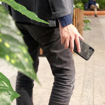 本革×カモフラって素敵!キレイめカジュアルiPhoneケース「Genuine Leather Camouflage Case」
