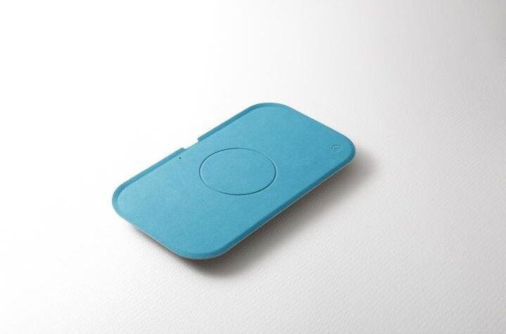 Deff製トレー型ワイヤレス充電器 WIZ Wireless Charging Tray