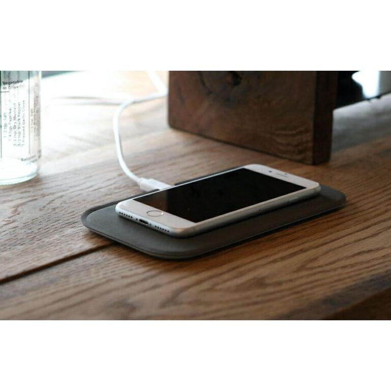 Iphone ワイヤレス 充電 【置くだけ】iPhoneにも最適なQiワイヤレス充電器おすすめ6選