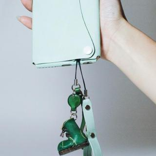【iPhone6ケース】本革一枚で包み込むケース mobakawa レザーストラップ付き アッシュミント iPhone 6_6