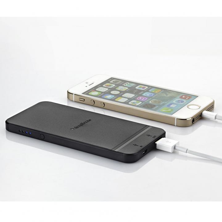 iPhoneケースが装着できるiPhone型バッテリー