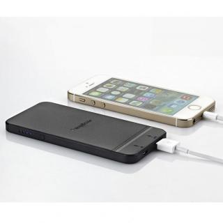 iPhoneケースが装着できるiPhone型モバイルバッテリー ブラック