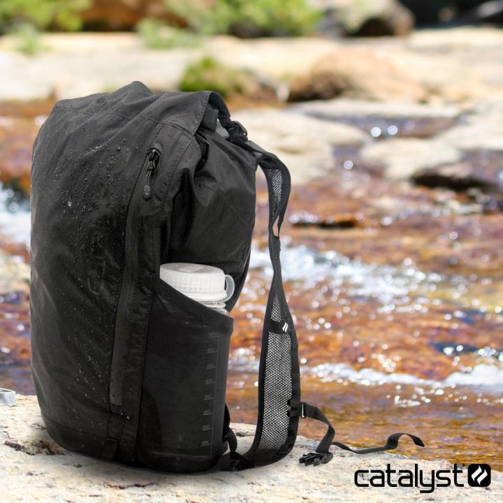 Catalyst カタリスト 防水バックパック 20L ブラック_0