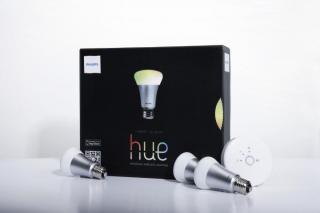 スマートフォンでLED電球をコントロール Philips hue 9W スターターセット (口金 E26)