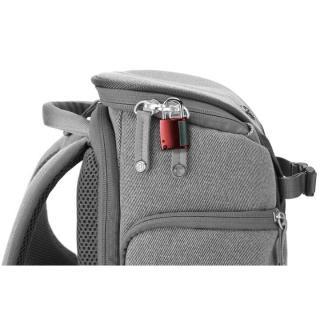 コンパクトサイズカメラ用バックパック booq Slimpack gray_4