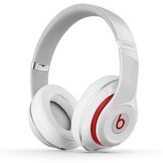 Beats Studio ワイヤレスオーバーイヤーヘッドフォン - ホワイト