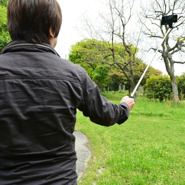 スマホで自撮り 手元で撮影 monopod  iPhone