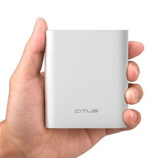 [8800mAh]大容量なのにコンパクト モバイルバッテリー NEO M1_1