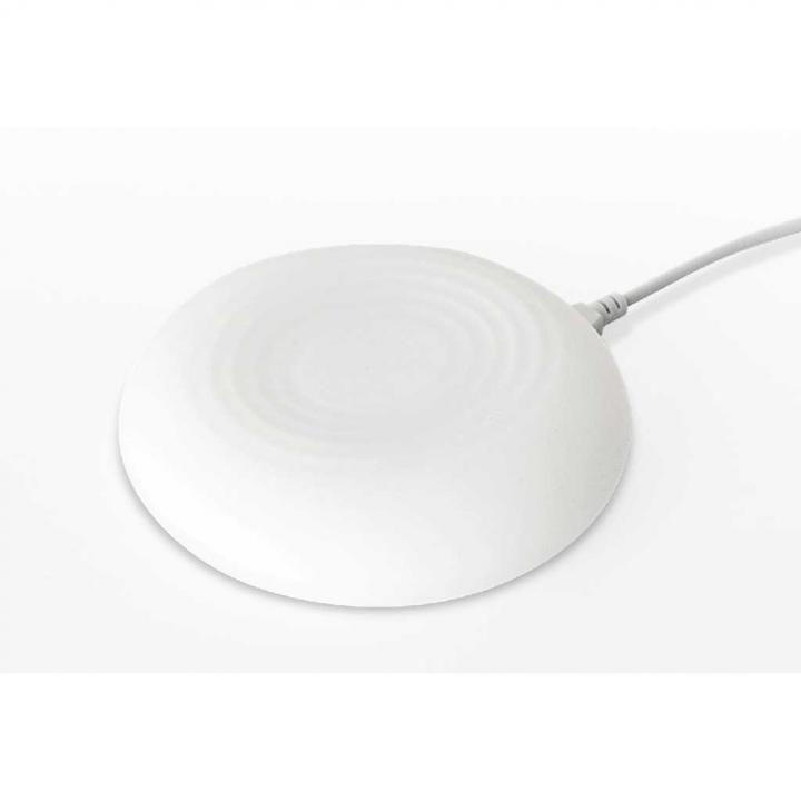 Qi(チー)認証取得済みワイヤレス充電器「置きラク充電ルームライトパッド」