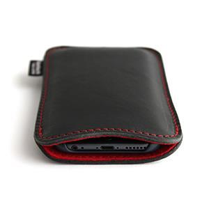 職人が作るオイルドレザーレザースリーブ iPhone 6s/6 ルーズフィット ブラック×レッド+赤ステッチ