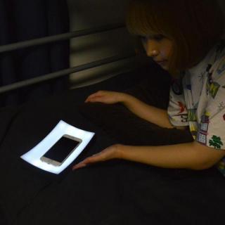 暗闇でもOK!「USBタッチでライトトレー」_6
