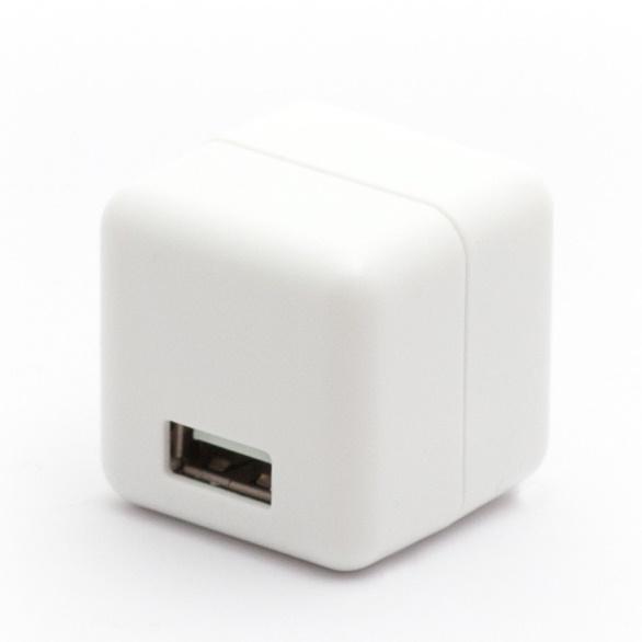 2.1A1ポートUSB充電器 100-240V海外対応 ホワイト_0