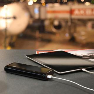[16000mAh]Anker Astro E5 16000mAhモバイルバッテリー ブラック+10W 急速充電器_4