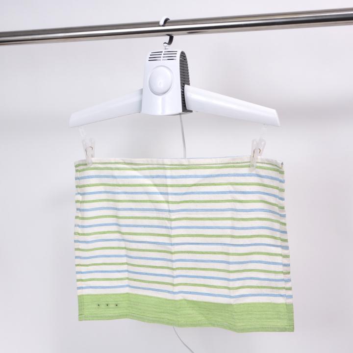 服や靴が早く乾く!温風ハンガー乾燥機