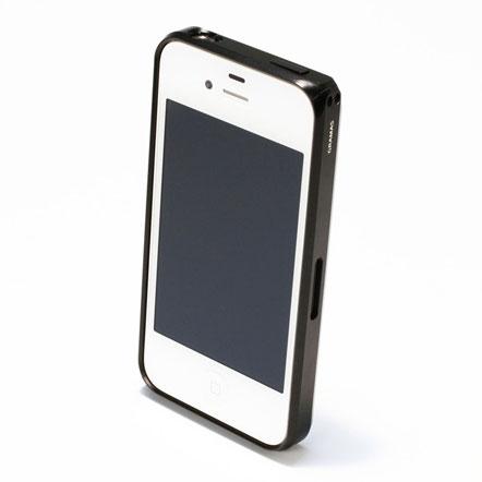 【iPhone4/4s】GRAMAS メタルバンパー 01シリーズ(ブラック)